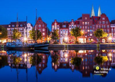 Untere Trave Lübeck zur blauen Stunde